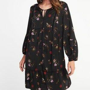 🎉3/$25🎉 Black Floral Ruffle Swing Dress